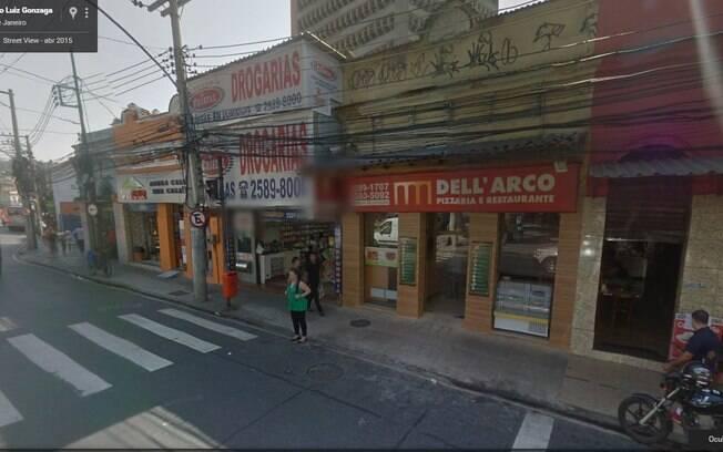 Farmácia e pizzaria afetados pela explosão. Foto: Reprodução Google Maps