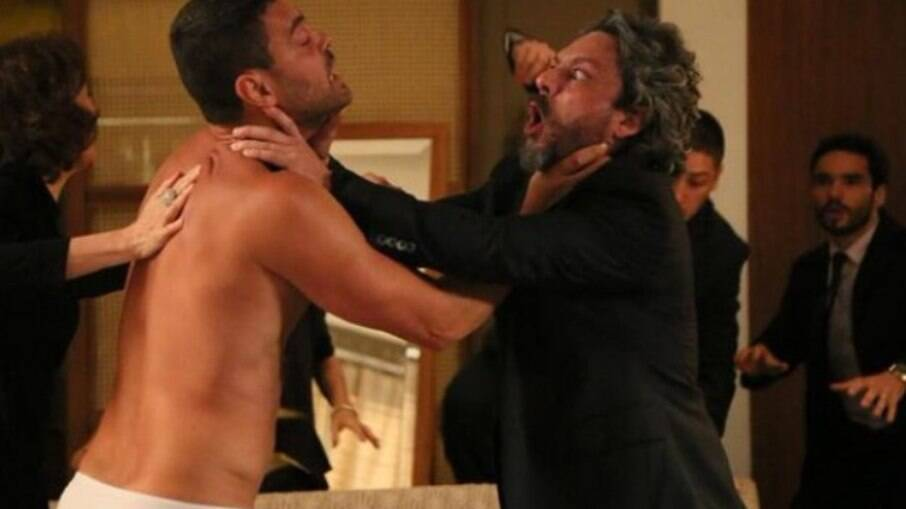 José Alfredo ataca Maurílio e acaba passando mal