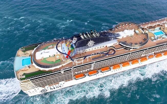 Os cruzeiros marítimos contam com atrações para todos os públicos, há piscinas, tobogãs, cinemas, teatros e muito mais