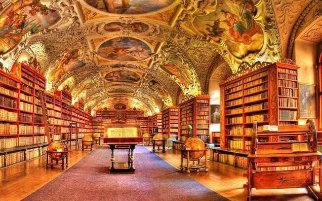 A livraria Strahov fica dentro de um monastério em Praga, na República Tcheca