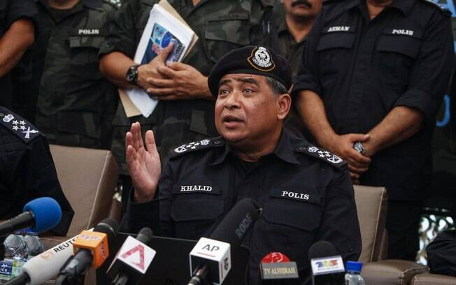 Chefe da Polícia Nacional da Malásia, Khalid Abu Bakar, durante coletiva em Wang Kelian, Malásia