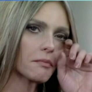 Fernanda Lima chorando ao vivo