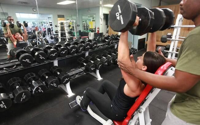 Voltar para a academia, iniciar uma atividade física e emagrecer são algumas das metas de ano novo mais tradicionais