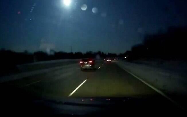 Serviço Nacional de Meteorologia de Detroit (NWSD)  confirma queda de meteorito na noite de terça-feira