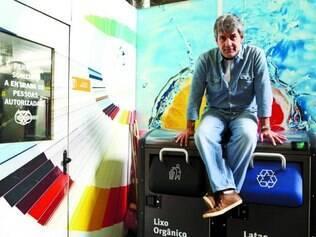 Novidade.  O fundador do Grupo Pad, Alexandre Davis, fará o lançamento da lixeira ecológica no Cristo Redentor, no Rio de Janeiro