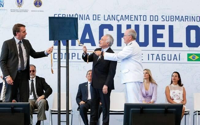 Temer e Bolsonaro participam de cerimônia de lançamento do Submarino Riachuelo e descerram a placa