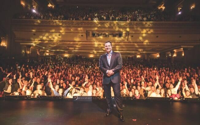 Daniel Boaventura lança novo DVD gravado em teatro no México