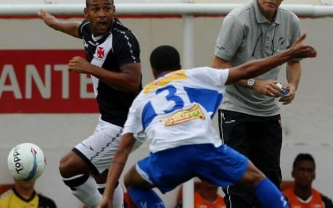 Paulo Autuori viu o Vasco empatar na sua  estreia