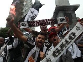 Atleticanos continuam festejando o título da Copa do Brasil no centro de BH