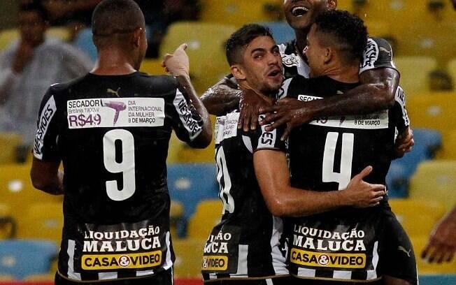 No começo de 2015, o Botafogo liberou o anúncio de uma