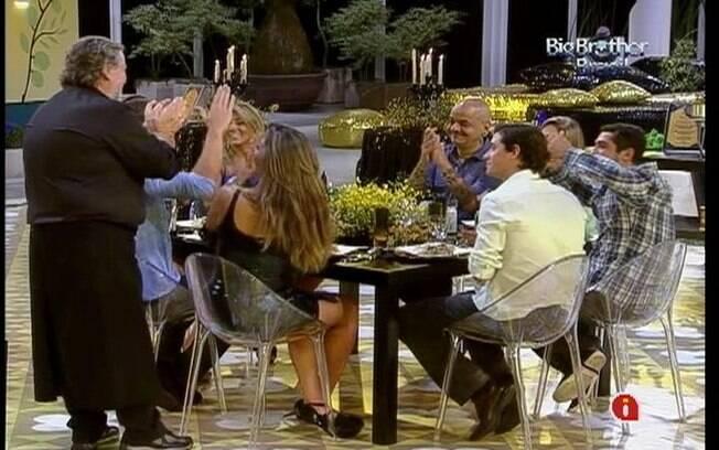 Na despedida, brothers aplaudem o chef Ravioli