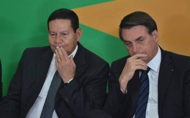 Vice-presidente Hamilton Mourão com o presidente Bolsonaro