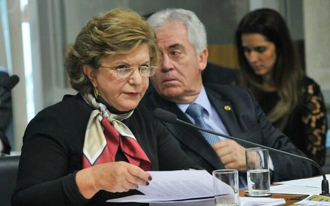 A relatora Lúcia Vânia defendeu medida por dignidade humana e esperança de trabalhadores