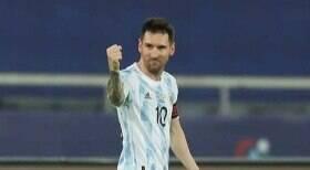 Messi e ex-Corinthians duelam hoje