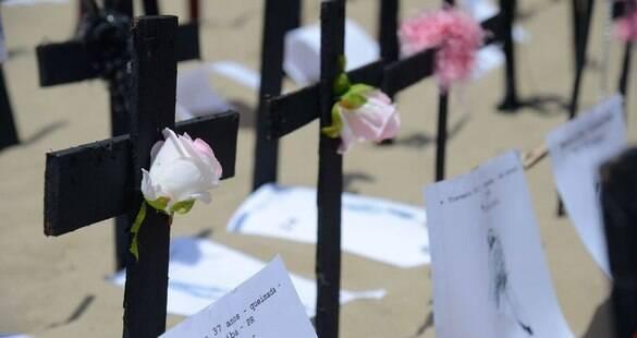 Protesto em Copacabana lembra a morte de 144 pessoas trans