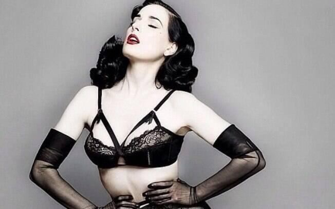 Dita Von Teese é uma das famosas que já foram strippers