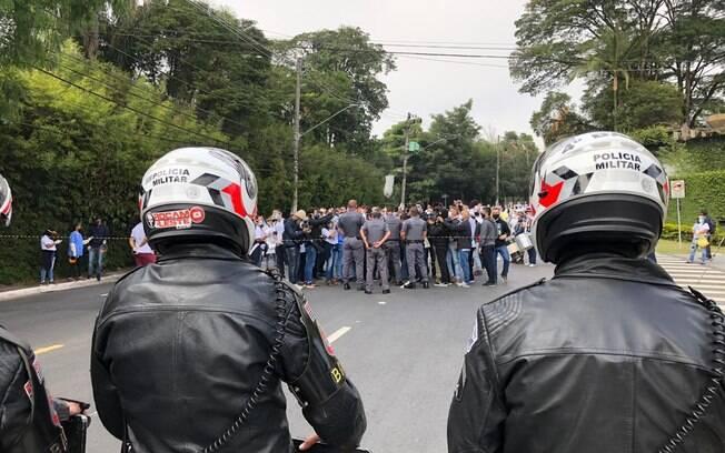 Caminhada de moradores de Paraisópolis até o Palácio dos Bandeirantes
