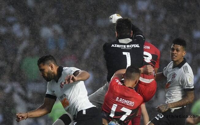 Vasco x Athletico-PR, no Estádio São Januário