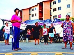 Esperança. Cerca de 45 famílias estão acampadas em frente ao residencial Esplêndido, esperando cumprimento de acordo com PBH