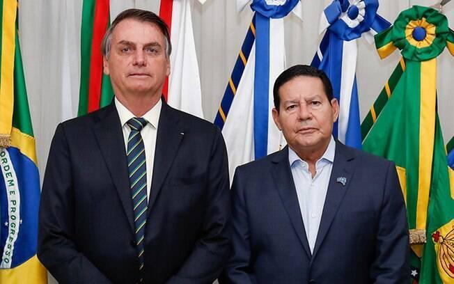 Bolsonaro e Mourão têm o costume de comentar o comportamento um do outro sem citar nomes