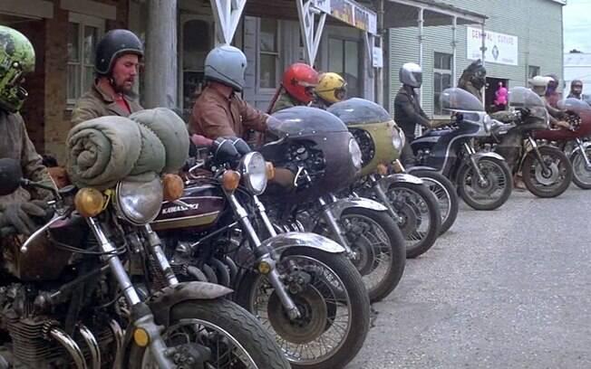 """Em """"Mad Max"""", motociclistas errantes aterrorizam uma região na Austrália em um futuro próximo"""