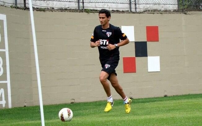 Ganso treina durante a folga do São Paulo  para acelerar estreia pelo time