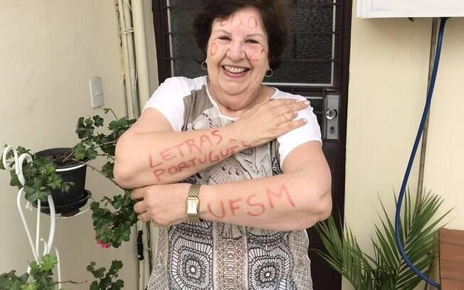 Edicleia, de 72 anos, foi aprovada no curso de letras na Universidade Federal de Santa Maria