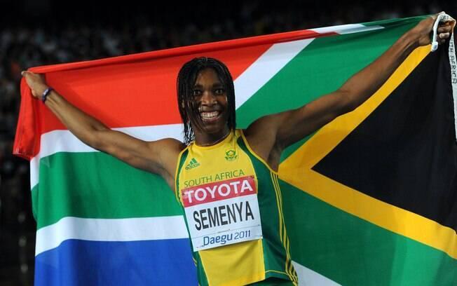 Caster Semenya lutou para provar que era uma  mulher, fez testes e hoje compete pela África do  Sul