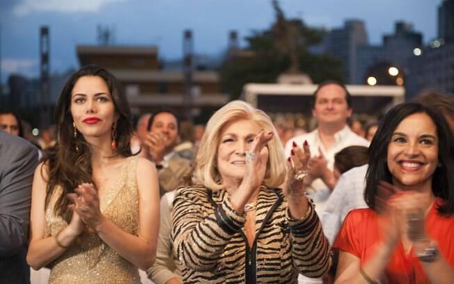 Daniela Albuquerque, Hebe Camargo e Lu Alckmin na primeira fila do show