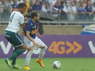 Cruzeiro e Goiás tiveram de lidar com forte chuva na partida