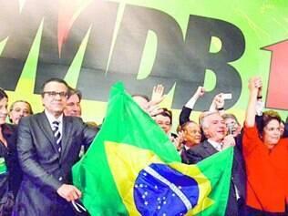Nacional. Chapa com Dilma e Temer de vice foi aprovada, mas com forte resistência dentro do PMDB