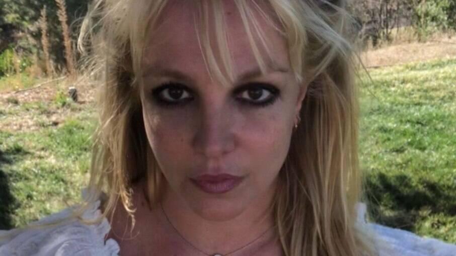 Britney Spears retorna às redes sociais após viagem de noivado