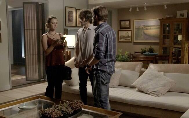 Almofadas estão nos truques de decoração e aparecem nos cenários da novela 'A Força do Querer'