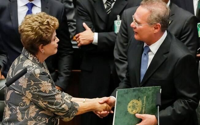 Renan e Dilma se encontram no início dos trabalhos do Congresso