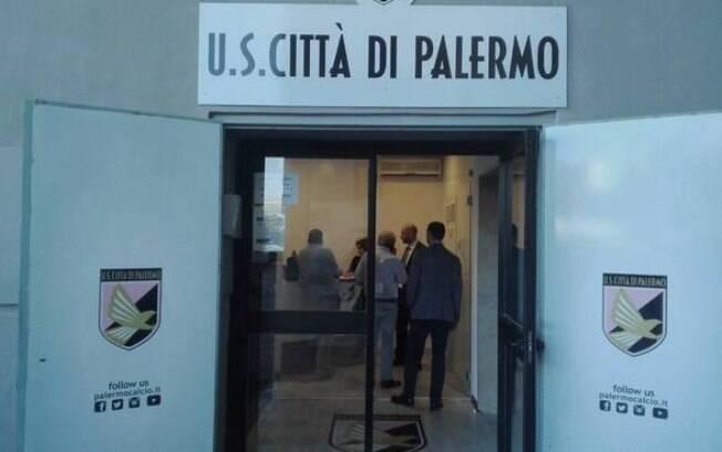 Tribunal da Itália rejeitou pedido de falência do Palermo