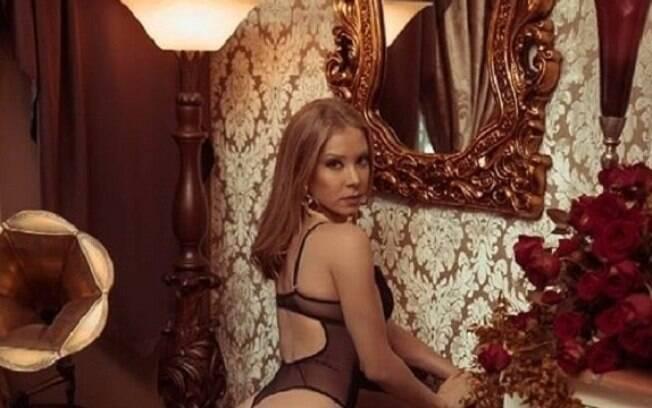 Najila Trindade aparece em campanha de marca de lingerie