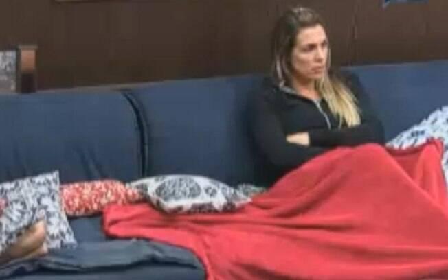 Joana Machado conta que viu espírito dentro da casa