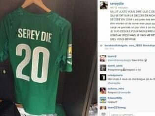 Pelo Instagram, Serey Die justificou lágrimas durante execução do hino nacional da Costa do Marfim, antes do jogo com a Colômbia