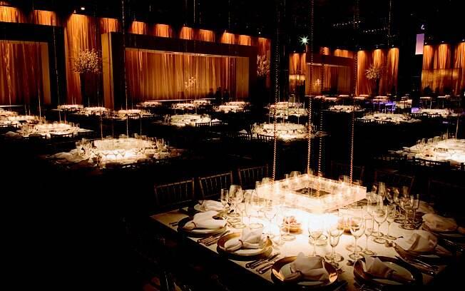 O ambiente da festa de casamento pode ser requintado e, ao mesmo tempo, confortável