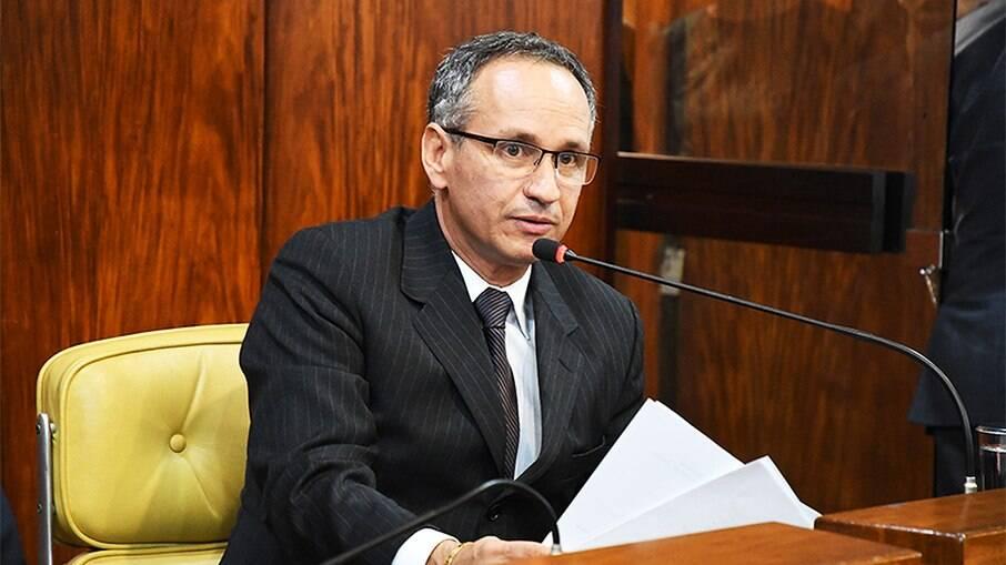 Ex-presidente do INSS, Francisco Lopes, é condenado por contrato milionário com empresa de fachada