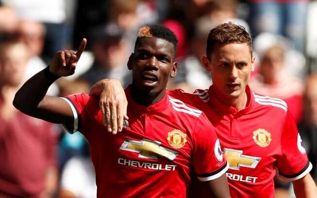 Pogba comemora o seu gol, o terceiro do United contra o Swansea