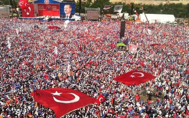 Votação de hoje representa o maior desafio para carreira política de Erdogan e é momento-chave para o futuro do país