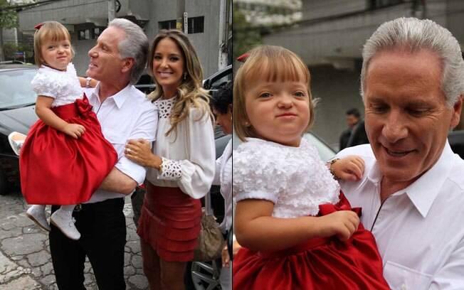 Roberto Justus com a mulher Ticiane Pinheiro e a pequena Rafaella