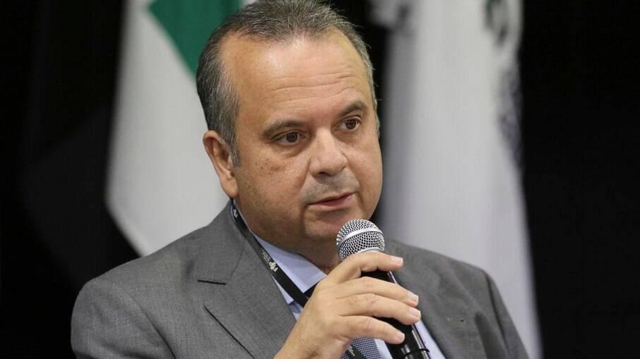 Marinho é acusado de fazer obra em benefício próprio e oposição denuncia no MPF