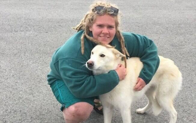 Husky Siberiano resgata jovem que se perdeu na trilha Crow Pass, no leste de Anchorage, no Alasca