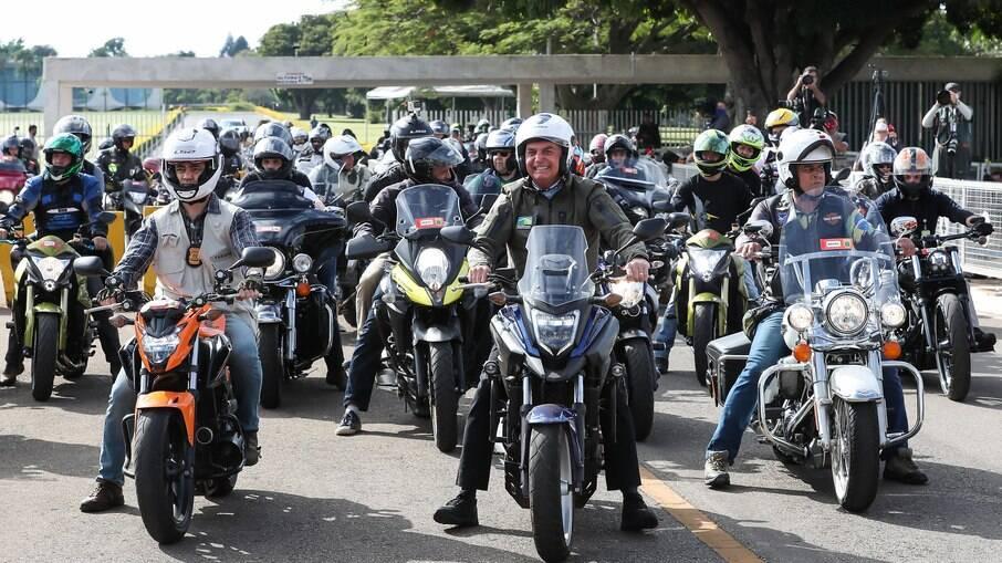Bolsonaro define locais das próximas 'motociatas'