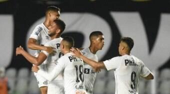 Santos aproveita falhas do goleiro e derrota a Inter de Limeira