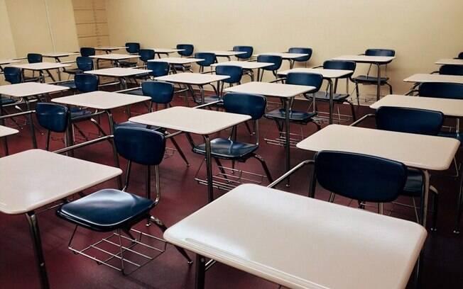 Pais criam movimento para pressionar contra volta às aulas