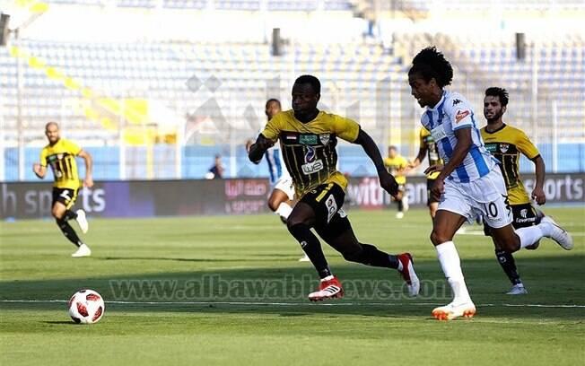 Keno em ação pelo Pyramids FC, clube do Egito, durante a partida em que ele marcou seu primeiro gol