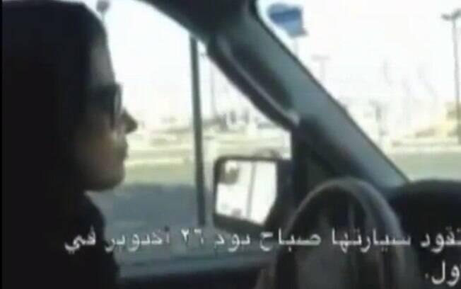 Arábia Saudita: em 2011, ano em que as mulheres conquistaram o direito ao voto, Shaima Ghassaniya foi chicoteada por dirigir. Foto: Reprodução